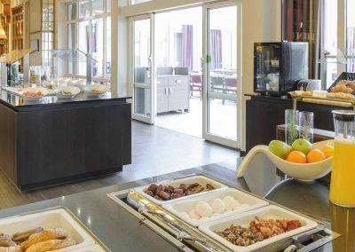Mercure Hotel Dortmund Centrum Fruehstuecksbuffet Wintergarten
