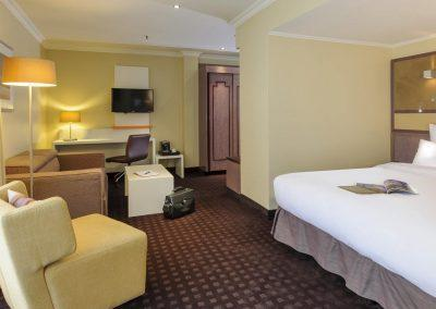Mercure Hotel Dortmund Centrum Suite Bettenansicht