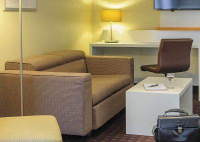 Mercure Hotel Dortmund Centrum Suite Sitzecke Gepaeck