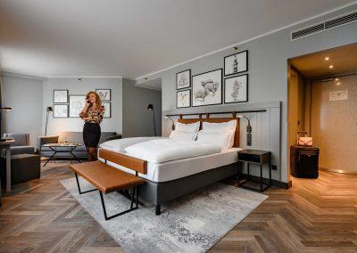 Mercure Hotel Dortmund Centrum Privilege Zimmer mit Gast